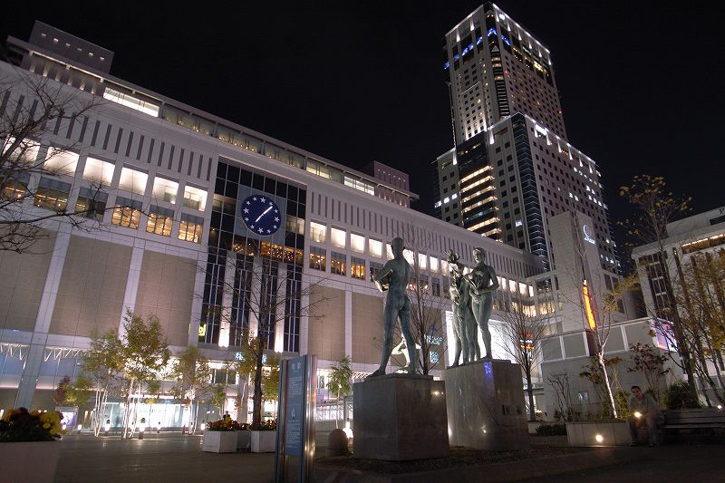 晩秋の札幌駅
